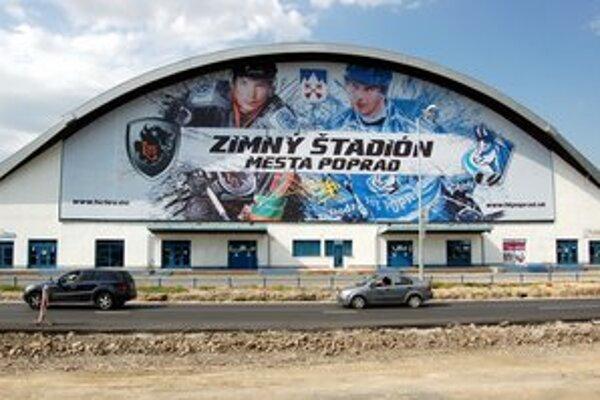 Zimný štadión museli kvôli KHL rekonštruovať.