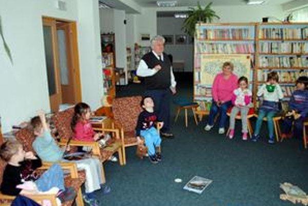 Karol Seman. Rozprávanie o zvieratkách deti fascinovalo.