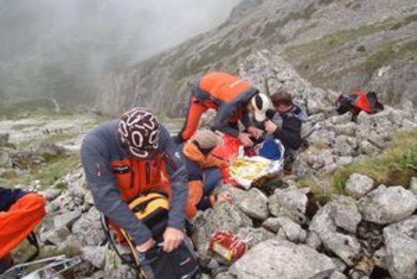 Vyčerpaného Poliaka ratovali záchranári tesne pod sedlom Veľkej Svišťovky.