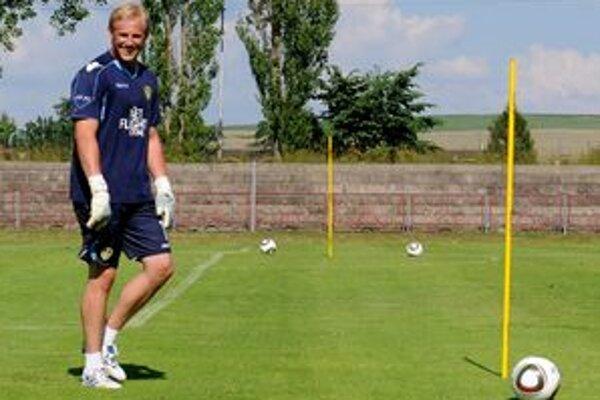 Mladý Kasper Schmeichel má podľa svojho trénera všetky predpoklady stať sa dôstojným nástupcom svojho slávneho otca.