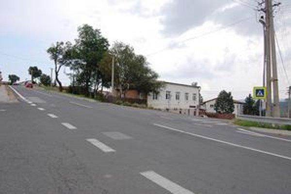 Na tejto križovatke od Spišského Štiavnika podľa miestnych vznikajú slepé uhly. Človek niekedy rútiace sa auto na hlavnom ťahu jednoducho nevidí.