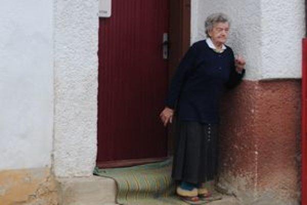 Život bez vody. Pani Marta Kalnová nevie, čo by si počala bez dcéry.