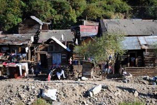 Práve v rómskych osadách sa darí poisťovacím podvodníkom.