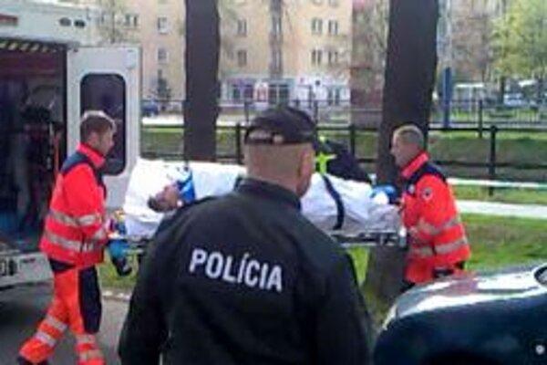 Žena skočila do rieky. Anna z Liptovskej Tepličky skočila z mosta do rieky Poprad. Tvrdila, že nemá pre koho žiť.