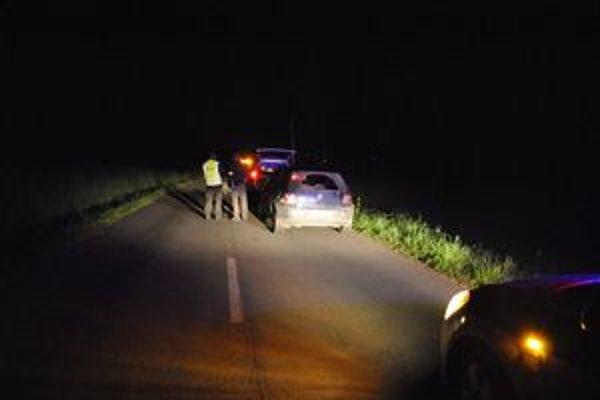 Kriminalisti hľadali dôkazy. Aj niekoľko hodín po incidente zaisťovali policajti stopy.