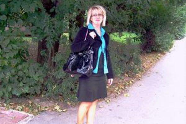 Po Poprade chodí peši. Autobusom jazdí Slávka do Kežmarku.