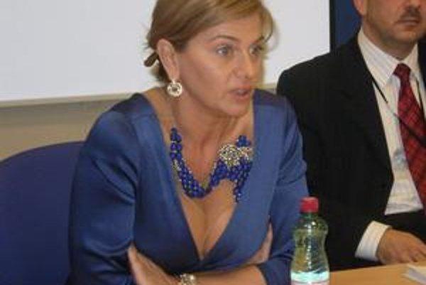 Monika Beňová. Je jednou z mála politikov Smeru, po ktorej sa obzerajú aj pravicoví voliči.