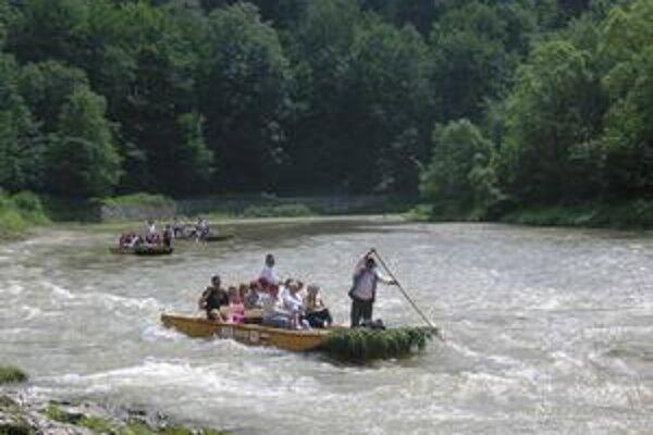 Plte na Dunajci. Budú ich strážiť záchranári?