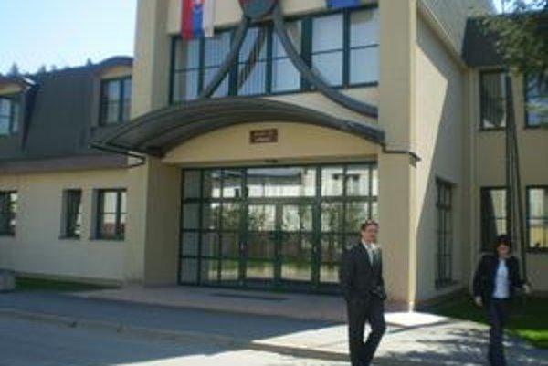 Kuza Džavoronok. Po štvrtom pojednávaní je verdikt súdu v Kežmarku jasný. Žalobu sudca zamietol.