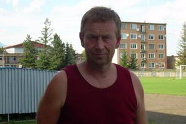 Najväčšou oporou trénera Sviťanov je jeho vlastný tím.