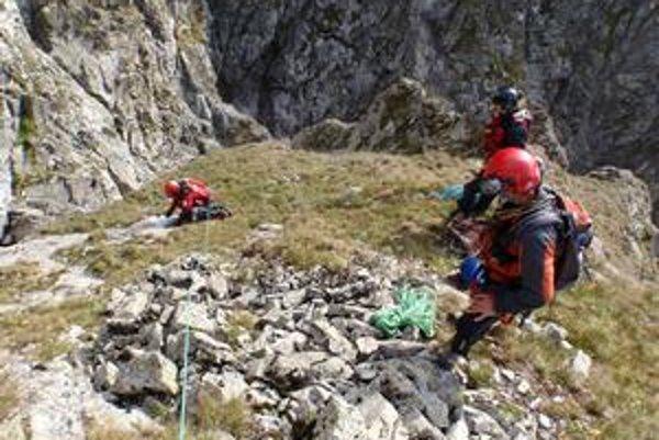 Smrteľný pád z Belasej Veže. Do tohto žľabu v Kolovej doline šli cez leto horskí záchranári po bezvládne telo 34-ročného Martinčana.