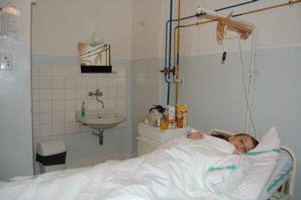 Študentka Zdislava. Prázdniny trávi v popradskej nemocnici.