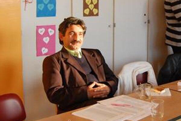 Milan Polhoš, člen volebnej komisie vo Veľkej Lomnici hovorí, že počas týchto volieb sa v tíme nikto nenudil.