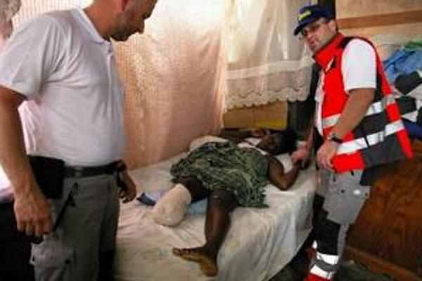 Zranení Haiťania. Aj takýto hrôzostrašný pohľad sa naskytol našim slovenským samaritánom.