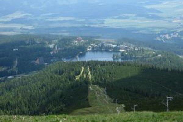 Chystaná zonácia podľa zelených vychádza v ústrety investorom. Ich aktivity sa sústreďujú na viacerých miestach, jednou z nich je oblasť Štrbského plesa.