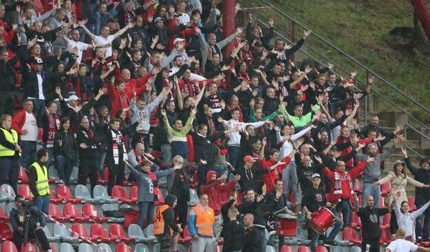 Futbalisti Spartaka Trnava sa spoliehajú aj na podporu svojich fanúšikov.