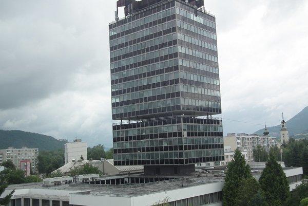Klientské centrum je v budove okresného úradu.