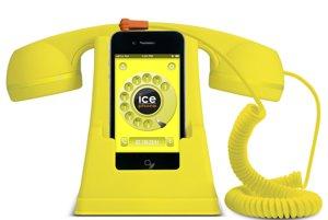 Stojan na mobilPoriadok na pracovnom stole uľahčí neprehliadnuteľný stojan na mobil.