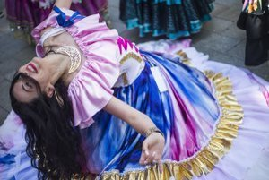 Program plný živelnosti, tradičných rómskych piesní a vynikajúce tanečné výkony sólistov.