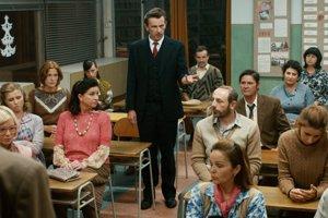 Film Učiteľka pripomína legendárnu drámu 12 rozhnevaných mužov.