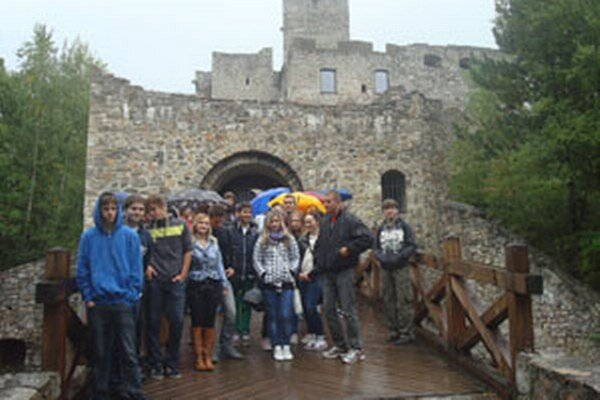 Žiakom z Novák nepokazilo výlet ani nepriaznivé počasie.