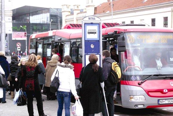 Autobusovú dopravu v meste Nitra prevádzkuje spoločnosť Arriva.