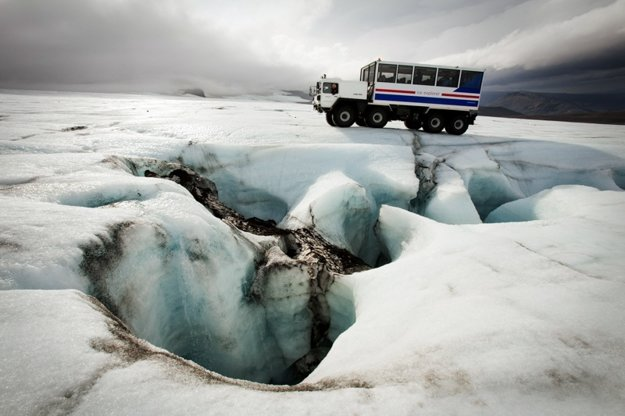 Šoférovanie na ľadovci.