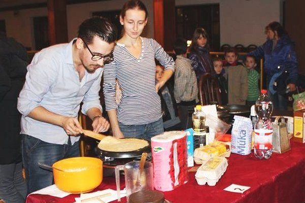 Fotogalériu si pozrite na http://novezamky.sme.sk/c/8066759/fotogaleria-palacinkafest-v-suranoch.html