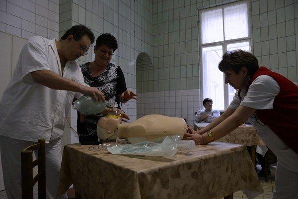 Prvé školenie zamestnancov nemocnice.