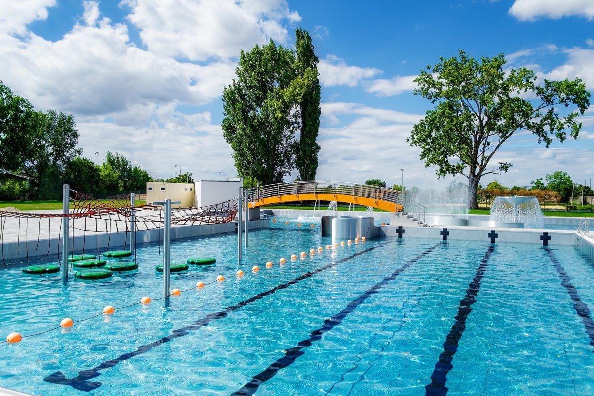 a07310282 Trnava má nové kúpalisko, nahradilo bazén na Slávii - SME   MY Trnava