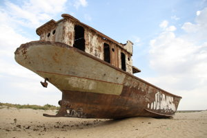 Aralské jazero doplatilo na snahu sovietskeho režimu panovať aj nad prírodou.