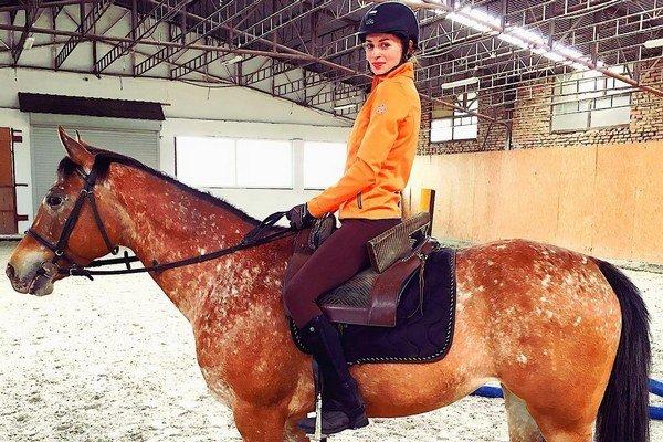 Na koňoch ju fascinuje vnímavosť. Máriu si úplne získali.
