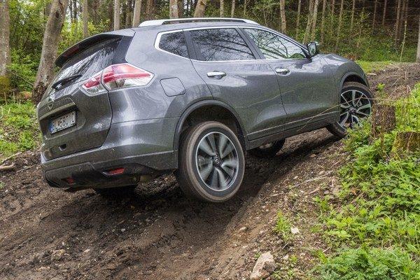 V teréne sa najnovšia generácia Nissanu X-Trail nestratí. Jeho schopnosti na pomery SUV považujeme za nadpriemerné.