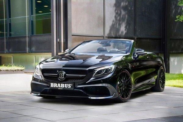Kabriolet Brabus 850 6.0 Biturbo Cabrio. Podľa firmy Brabus je tento kabriolet, odvodený od modelu Mercedes-AMG S 63 4Matic, najvýkonnejším i najrýchlejším štvormiestnym kabrioletom na svete.