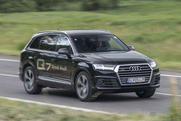 Nové Audi Q7 tvorí výťažok dobrých vlastností konkurentov. Najviac zaujme kombinácia priestoru a jazdných vlastností.