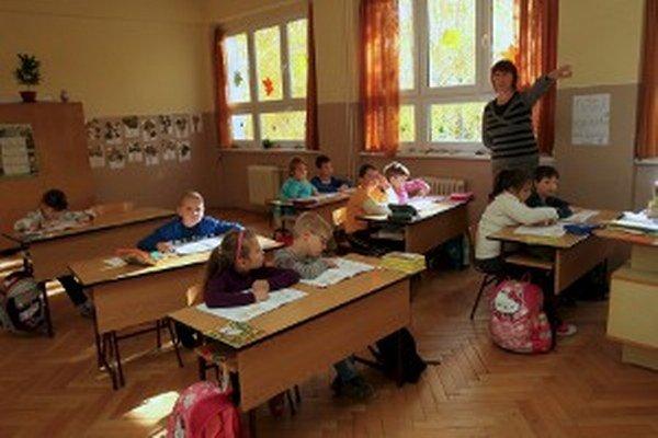 Školám s malým počtom žiakov ministerstvo navrhlo úsporné opatrenia.