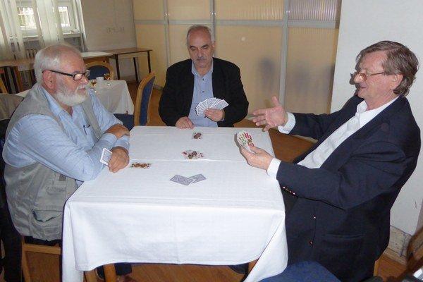 Účastníci súťaže. Zľava Ing. Štefan Sanisló, František Hrubý, Tibor Matyás.