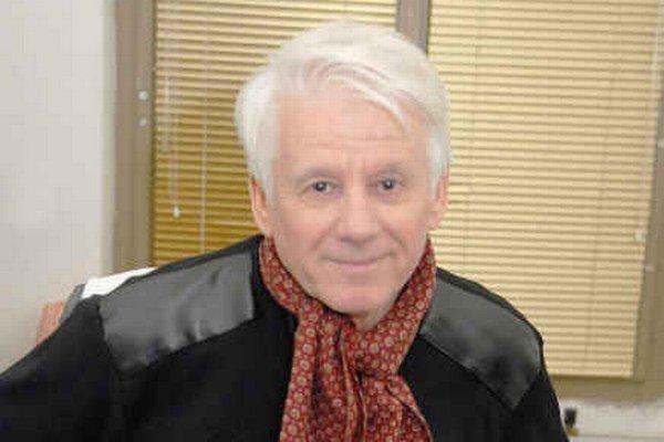 Nemení sa. Emil Horváth si sedemdesiatku nepripúšťa a podľa diváčok na ňu ani nevyzerá.