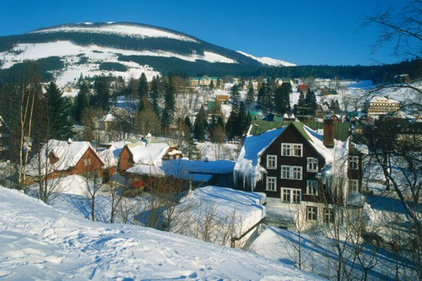 Pre romantika. Len vy a on, kopec snehu, hory, kozub a... Každého citlivejšieho chlapa dostanete na predĺžený výlet napríklad do Špindlerovho Mlyna. Nie nadarmo sa vraví, že zážitkové darčeky sú tie naj.