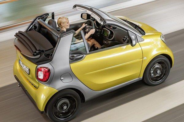 Nový kabriolet Smart Fortwo. Dvojmiestny kabriolet s automatickou otváranou strechou bude mať svetovú premiéru na frankfurtskom autosalóne.