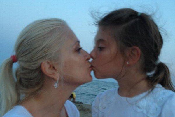 Dievčatá si zahrajú v novom seriáli. Maruška podedila gény po mame.