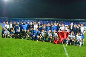 Parádna zostava. V Poprade si zahrali exhibičný zápas futbalové legendy.