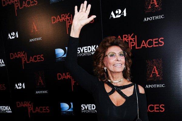 Herecká diva. Sophia Loren v Los Angeles zatienila aj mladšie herečky.