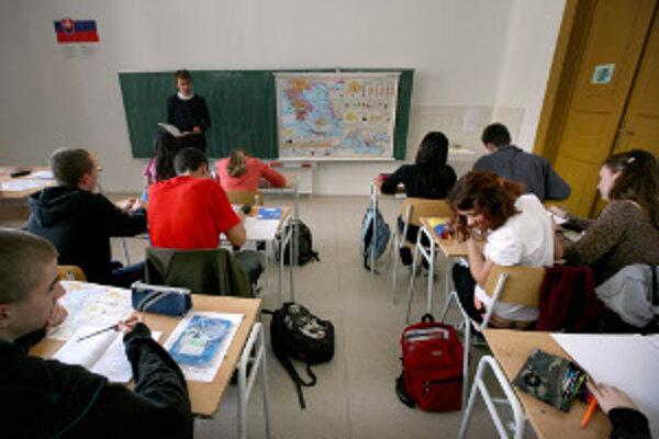 Ineko zostavilo rebríček škôl podľa výsledkov žiakov.