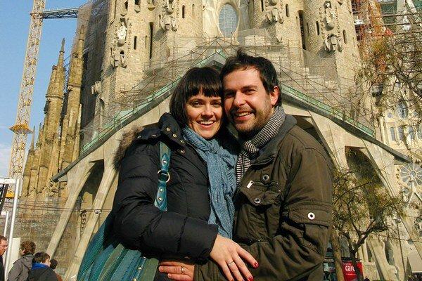 Juraj a Adrika. Cestovateľské výlety museli na čas odložiť.
