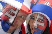 Slovenskí fanúšikovia pred zápasom MS 2011 Slovensko - Nemecko 1. mája 2011 v Bratislave.