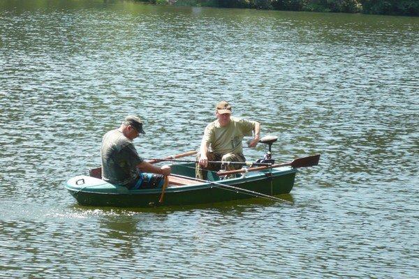 Sumca rybári nezvábili ani vábničkou.