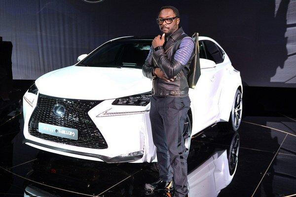 Špeciálny Lexus NX s raperom W. Adamsom. Na modifikácii exteriéru i interiéru tohto lexusu NX sa podieľal raper W. J. Adams, známy pod umeleckým menom will.i.am.