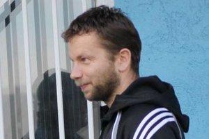 Tréner ŠK Milénium F. Šott musel hrať.