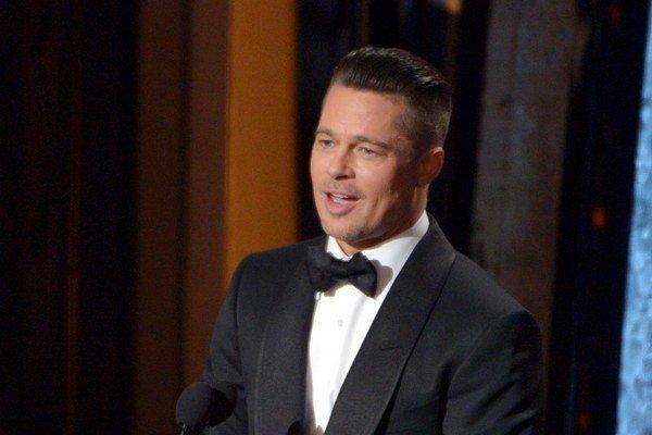 Kontroverzná úloha. Také má Brad Pitt, čerstvý päťdesiatnik, veľmi rád.